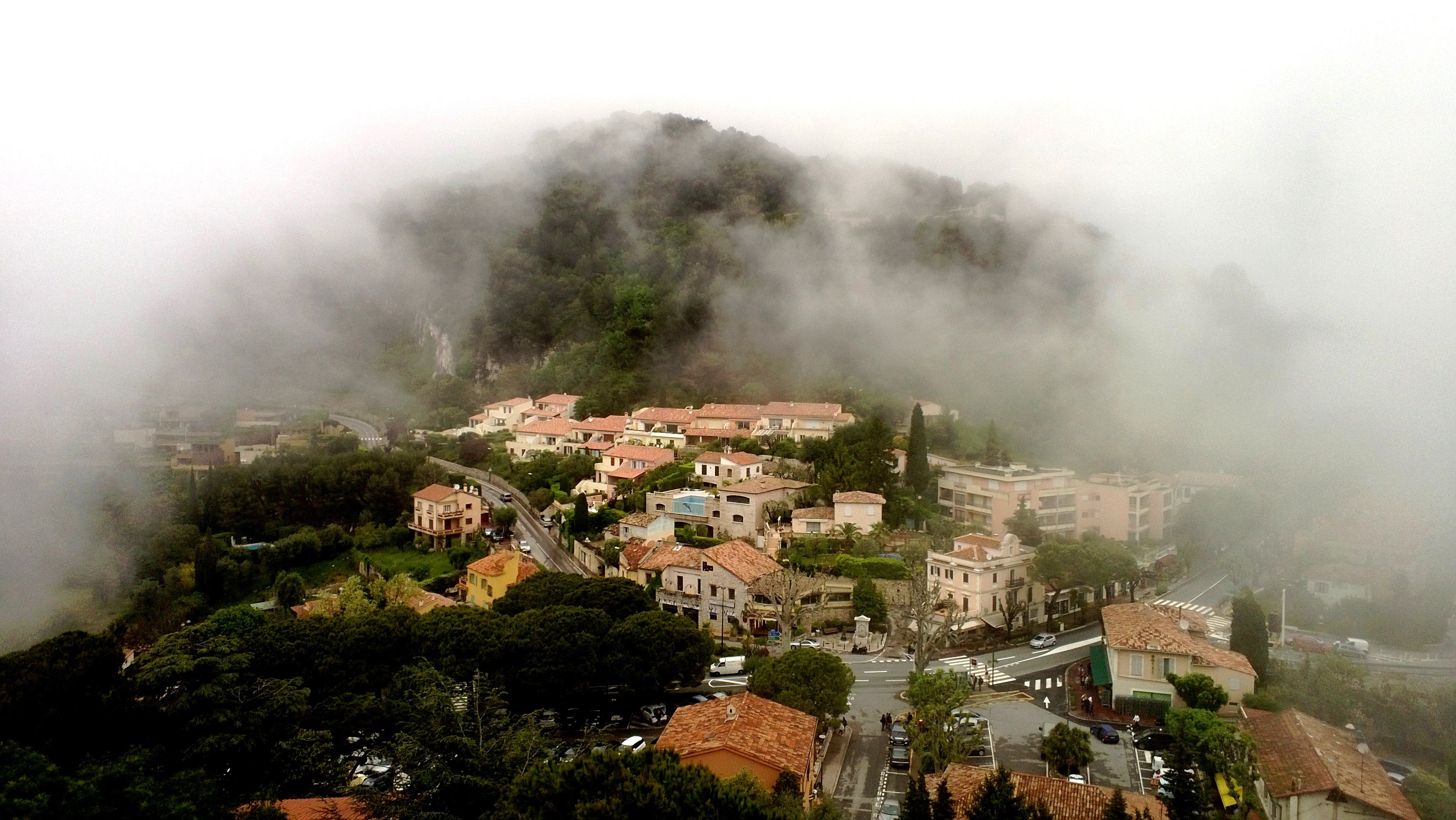 eze village weather